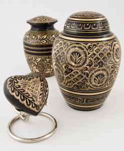 Small and Medium Urn Collection